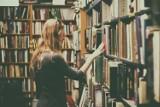 Literacka kwarantanna, czyli książki na wynos. Zastanawiasz się jaką książkę przeczytać? Big Book Cafe przychodzi z pomocą
