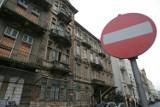 Warszawa wprowadza zakaz odwożenia samochodem dzieci do szkół. Przyszkolne ulice będą zamykane na 30 minut