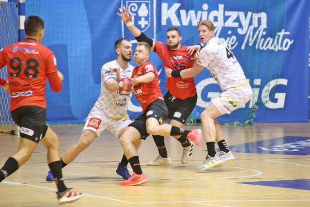 W pierwszym meczu rozegranym w Kwidzynie MMTS przegrał z mistrzami Polski 24:34