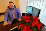 """Anioł nie człowiek. Grzegorz Ciepał, biznesmen z Sosnowca, wpłacił 15 tys. zł na rehabilitację 12-letniego Kuby, który spadł z dachu """"Wandy"""""""
