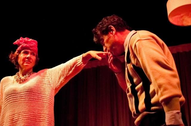 Teatr w Wałbrzychu - dobra prpozycja na weekend. Na zdjęciu Irena Wójcik i Piotr Tokarz
