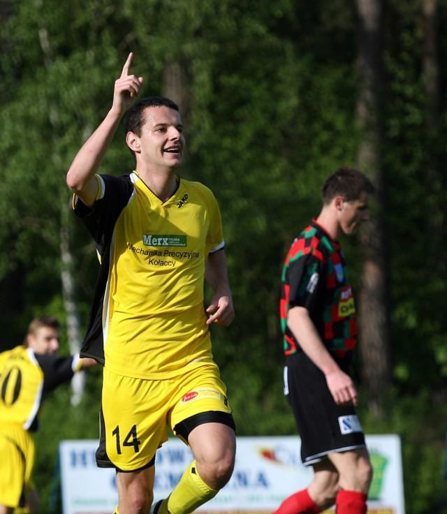 Tomasz Mikołajczak w barwach Nielby Wagrowiec. W sezonie 2008/2009 strzelił 21 goli w 33 spotkaniach (II liga i Puchar Polski)