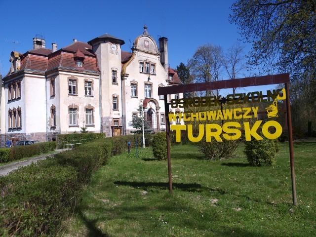 Dzięki zawyżonej kwocie subwencji wyremontowano m.in. SOSW w Tursku. Na zdj. przed remontem