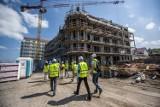 Darłówko: Drugi apartamentowiec inwestycji Marina Royale wkrótce pod dachem [zdjęcia]