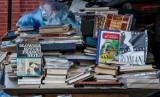 Antykwariat Grochowski sprzedaje książki za 1 zł. W puli aż dziesięć tysięcy tytułów
