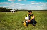 """Niesamowite zdjęcia z drona: """"Spojrzeć z góry na świat"""" - Grzegorz Olejarz o fotografii lotniczej"""