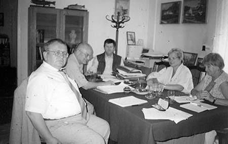 Stanisław Góra, Zbigniew Twaróg, Józef Partyka, Barbara Wróbel i Barbara Tekieli-Lis podczas rozmów o jubileuszu. archiwum