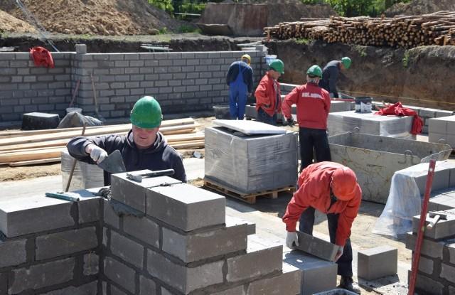 """Rozbudowuje się nowe osiedle w Grudziądzu. Zwane jest popularnie """"Kapustą"""" i jest coraz bardziej popularne."""