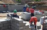 Budowa w Grudziądzu. Powstają bloki na Nowym Tarpnie  [wideo]