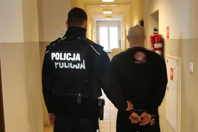 25-letni bydgoszczanin kradł na terenie Nakła. Został zatrzymany przez nakielską policję