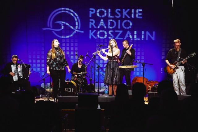 Zespół Kurna Chata będzie gwiazdą sobotniego wieczoru imprezy pn. Folk w Ogródku w Mikorowie