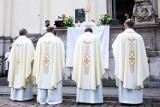 Emerytury księży bez wsparcia państwa? Fundusz Kościelny pochłonął rekordową kwotę!
