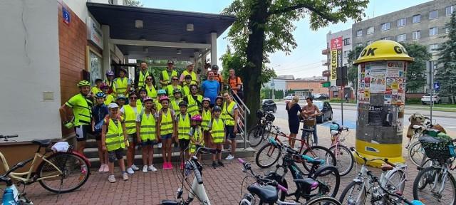 We wtorek, 27 lipca, dzieci z Grójca wyruszyły na rajd rowerowy do Leśnego Zakątka w Lisówku.