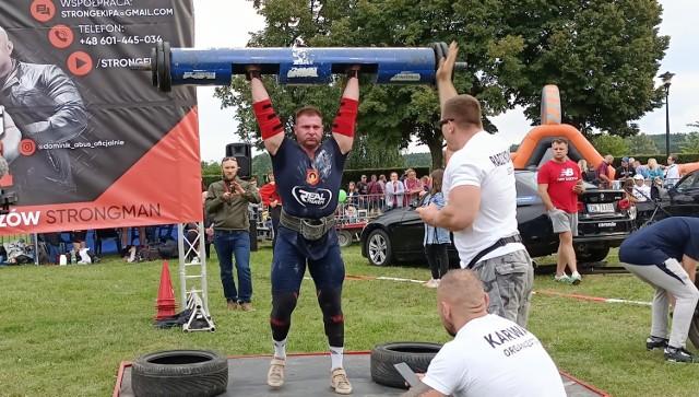 Szymon Holesiński odnosi coraz większe w zawodach strongmanów