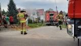Dramat w Brzyskach. W płonącym budynku strażacy natrafili na zwłoki mężczyzny [ZDJĘCIA]