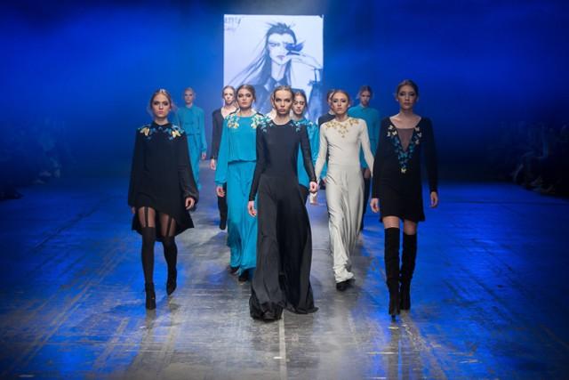 Natasha Pavluchenko po raz kolejny została zaproszona przez Radę Programową FasionPhilosophy Fashion Week Poland do udziału w pokazach na wybiegu Designer Avenue. Projektantka zaprezentowała swoją, niezwykle kobiecą, kolekcję w piątek, 22 kwietnia  Więcej zdjęć: •  Designer Avenue: Kolekcja Natashy Paluchenko [ZDJĘCIA]