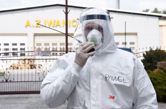Coraz więcej zakażeń koronawirusem w Gubinie. Trwają badania pracowników zakładu Iwaniccy Meble Tapicerowane.