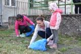 Krosno Odrzańskie: Wiosenne porządki przy szpitalu Zachodniego Centrum Medycznego. Sprzątało wielu mieszkańców (ZDJĘCIA)