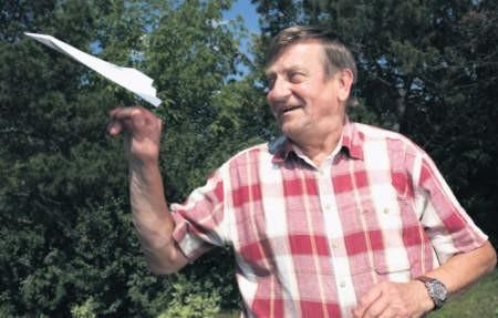 Mirosław Hermaszewski już startował z lotniska w Modlinie i na nim lądował. My polecimy z niego za trzy lata