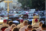 """Deszczowa 72. rocznica """"Cudu lubelskiego"""". Zobacz zdjęcia z uroczystości"""