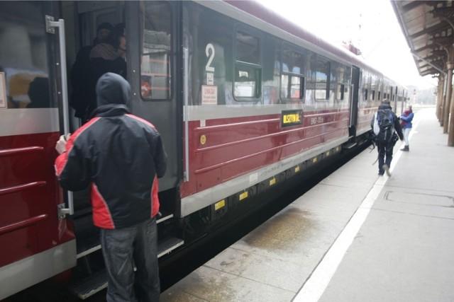 Linie kolejowa do Ciechocinka zlikwidowano, bo podobno była ona dla kolei nieopłacalna.