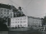 Tajemnicza kamienica kiedyś zasłaniała Wawel. Czym była i dlaczego nie ma po niej śladu? [ARCHIWALNE ZDJĘCIA]