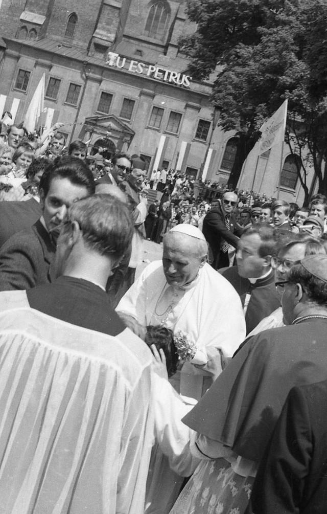 Zdjęcia Bogdana Ludowicza z pierwszej wizyty papieża w Gnieźnie