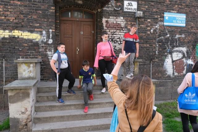 Streetworkerzy Domu Aniołów Stróżów docierają do dzieci z dzielnic katowickiego Załęża, sosnowieckiego Juliusza i chorzowskiego Batorego