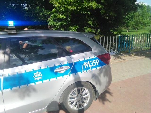 Policja znalazła zwłoki w lesie koło wsi Malesze