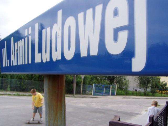 W związku ze zmianą nazw ulic upamiętniających komunizm, na Grunwaldzie wyśmiewane górskie nazwy zastąpią te dotychczasowe.