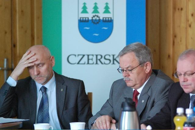 Marek Jankowski, burmistrz Czerska (po prawej) i jego zastępca, Jan Gliszczyński
