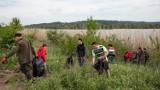 Ponad 400 worków śmieci zebrano podczas Ekomajówki nad zalewem w Strzegocicach