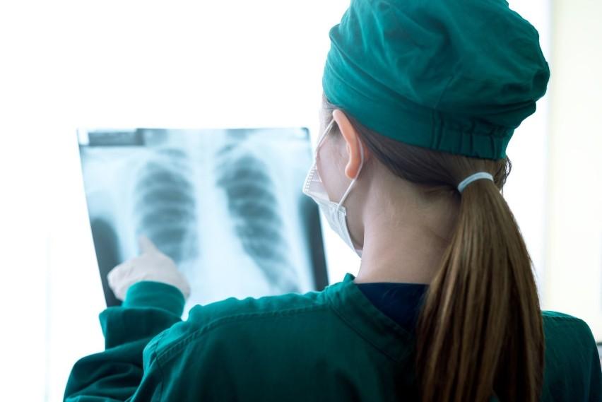 Gruźlica to bakteryjna choroba zakaźna, która atakuje przede...