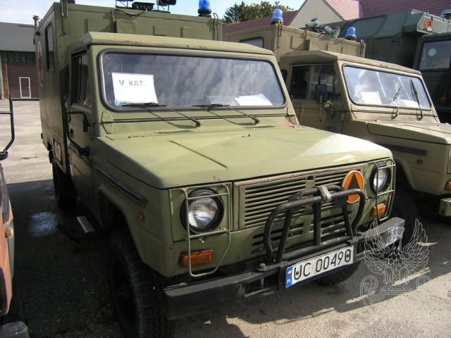 Samochód sanitarny 4-noszowy TARPAN IVECO (bez wyposażenia) Ilość: 1 NR fabryczny: 325 Rok produkcji: 1991 Cena: 4 500