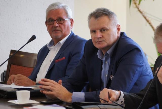 Wzorową frekwencją może się pochwalić Jerzy Kaczmarek (z lewej)