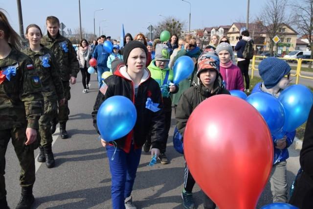 Niebieski Marsz z okazji Światowych Dni Świadomości Autyzmu.