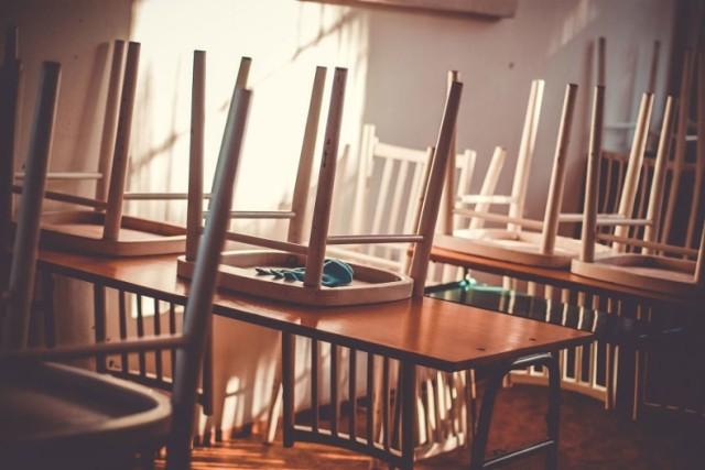 Zapisy i rekrutacja do klas pierwszych szkół podstawowych dotyczą uczniów urodzonych w 2014 r. oraz dzieci starszych
