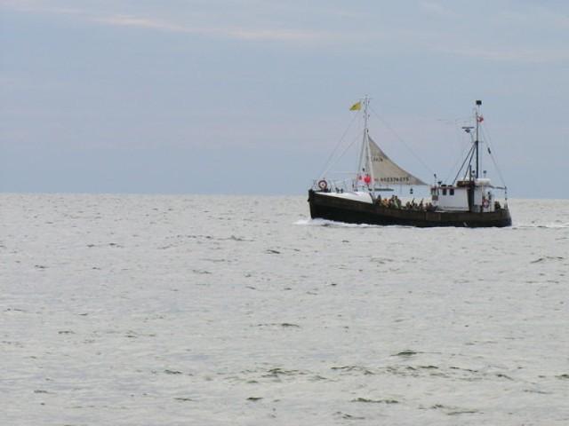 Hel znajduje się na północy naszego kraju, na samym cyplu Półwyspu Helskiego. Historia miasta sięga 1266 r. Port został zbudowany w latach 1882-1883 na zlecenie rządu pruskiego. Na początku zaczęto łowić na większą skalę śledzie za pomocą sieci i takli (p