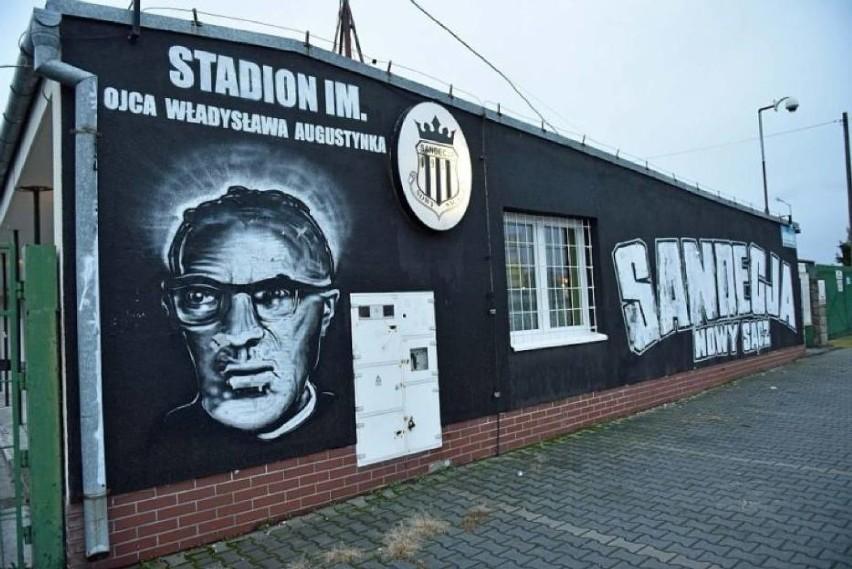 Brama wejściowa Stadionu im. Ojca Władysława Augustynka