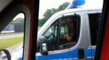 Bielsko: Policjant rozmawia przez komórkę podczas jazdy. Będzie kara? [WIDEO]