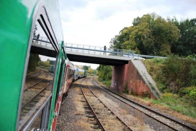 Konsultacje społeczne w sprawie odbudowy połączenia kolejowego powiatu ze stolicą Wielkopolski (zdjęcie ilustracyjne).