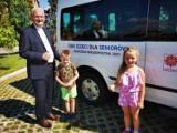 Dzieci pomogły kupić bus dla seniorów z domu dziennego pobytu z Gorzowa Śląskiego