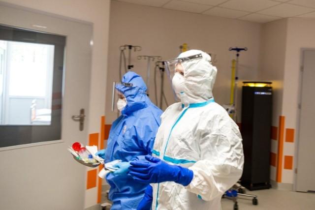 W środę 30 grudnia Ministerstwo Zdrowia poinformowało o 12 955 nowych przypadkach koronawirusa z czego 541 z nich dotyczy mieszkańców Małopolski.