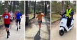 """5 Maraton Północy """"Bieg Czterech Latarni"""" (2020). Biegiem wyruszyli z Helu do Rozewia, a piechotą (i kijkami) z Kuźnicy   ZDJĘCIA"""