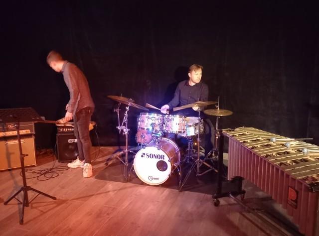 Muzycy podczas prób