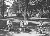 Poznajecie? Tak, to Park Kościuszki w Katowicach. Już przed wojną tłumy spędzały tu weekendy. Zobaczcie archiwalne zdjęcia