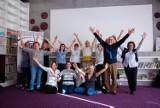 Sąsiedzka joga śmiechu zaprasza na spotkanie - cykliczne zajęcia w plenerze zapraszają dorosłych