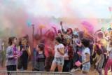 Sypnęło kolorami. Holi Festival, czyli Święto Kolorów w Białymstoku na plaży na Dojlidach (zdjęcia)
