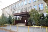 Władze Łodzi sprzedają gmach po zlikwidowanym gimnazjum