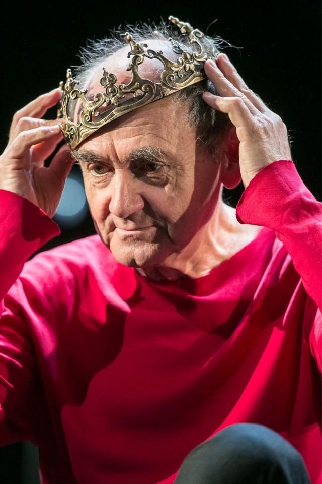 W jury tegorocznych Konfrontacji zasiądzie znakomity aktor teatralny i filmowy, reżyser i pedagog Jan Peszek. Artysta zaprezentuje również monodram według tekstu Bogusława Schaeffera